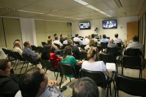 Cerca de 100 pessoas acompanharam a videoconferência em 23 cidades