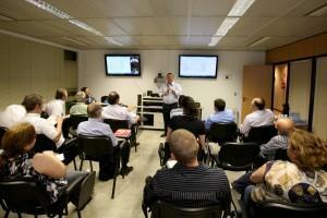 Uma das ações da Fiep para orientar os empresários para a adequação à nova legislação foi uma videoconferência transmitida para 25 cidades