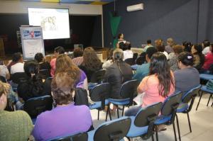 Projeto para valoriza��o da mulher � realizado em Castro