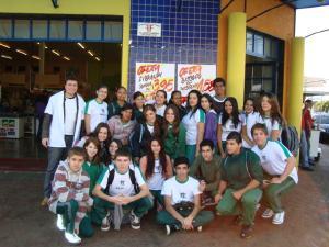 """Projeto """"Um dia com Um dólar"""", Colégio SESI de Ibiporã (14/06/2011)"""